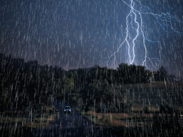 В Алматинской области прогнозируют дождь, грозу и порывистый ветер