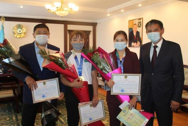 Алмас Абдинов Азия чемпионатының жеңімпаздарын қабылдады